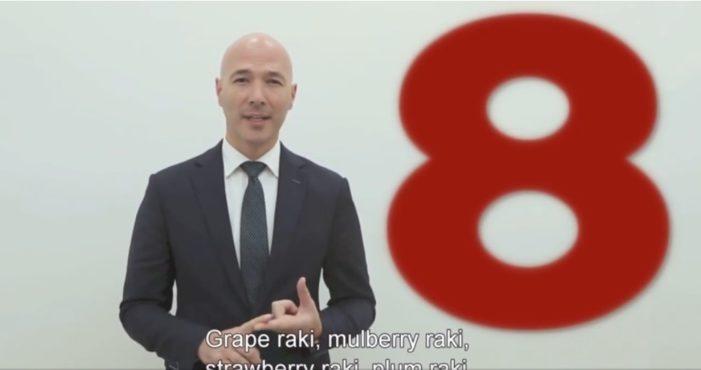 VIDEO/ Rakia, një nga 10 gjërat që pëlqen stafi i Ambasadës Amerikane në Tiranë