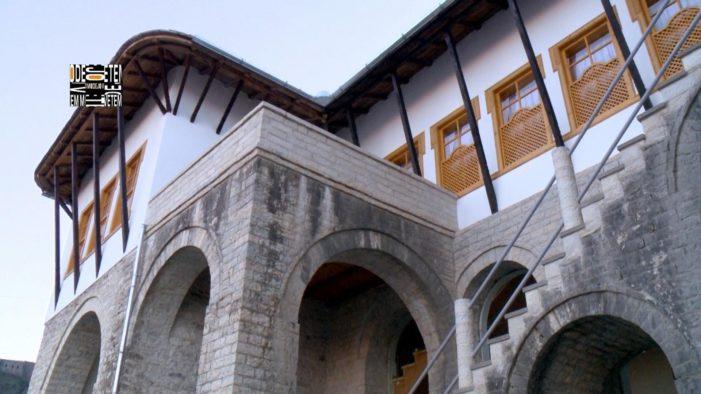 Historia e panjohur e shtëpisë së Kadaresë në Gjirokastër (Foto)