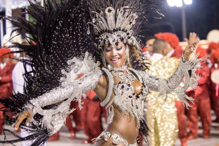 Brazili nis festën, gati për karnavalet e famshme më 24 shkurt