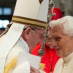 """""""Si e shantazhoi Obama Papën Ratzinger"""". Dalin emrat e Clinton, Podesta e Soros"""