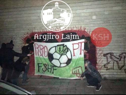 """Banderola kundër FSHF-së, drejtuesit e Luftëtarit denoncojnë në polici tifozët """"Shqiponjat Bluzi"""""""