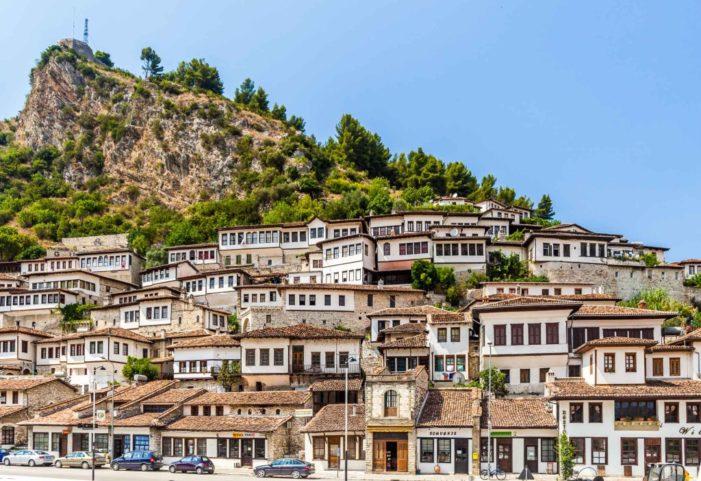"""""""The Telegraph"""": Berati, qyteti i dytë më i bukur në Europë (FOTO)"""