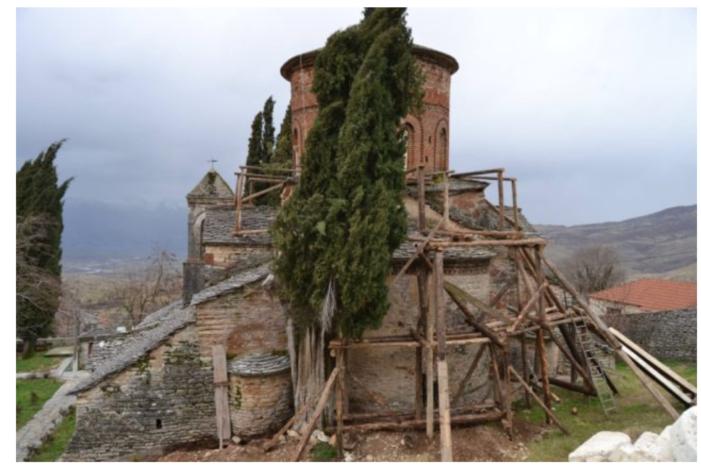 Restaurohet Kisha e Labovës së Kryqit, një thesar i rrallë të trashëgimisë