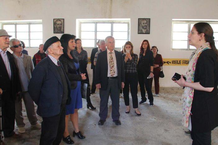 """Prezantohet projekti, restaurim për godinën e """"Kongresit të Përmetit"""" (FOTO)"""