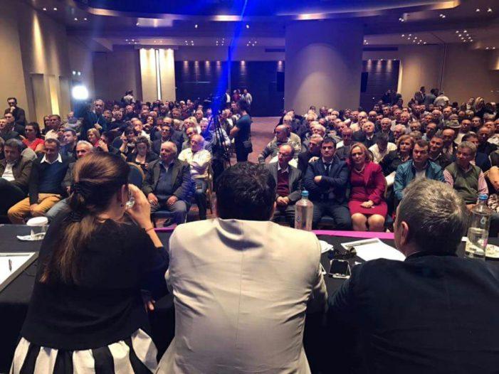 Njerëzit e Kokëdhimës tentojnë të prishin takimin e PS me emgritantët e Gjirokastrës dhe Vlorës në Athinë