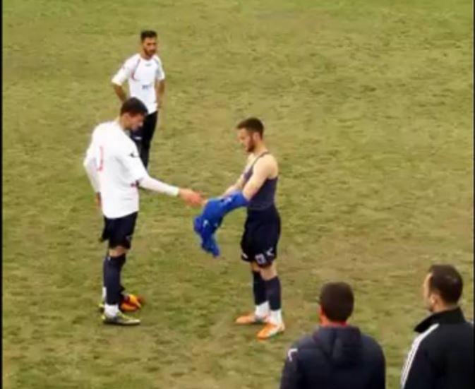 Qyfyre në ndeshjen ku luante Tepelena, sulmuesi ndryshon uniformën dhe futet portier