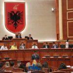 """Studenti nga Libohova i """"zë vendin"""" Edi Ramës në Parlament (FOTO)"""