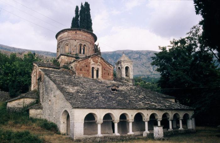 Kodikët më të vjetër kristianë në Shqipëri iu dedikuan kishës së Labovës së Kryqit