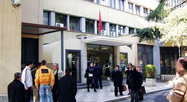 Rasti absurd! Vjen nga Italia në Shqipëri për të rrahur vjehrrin
