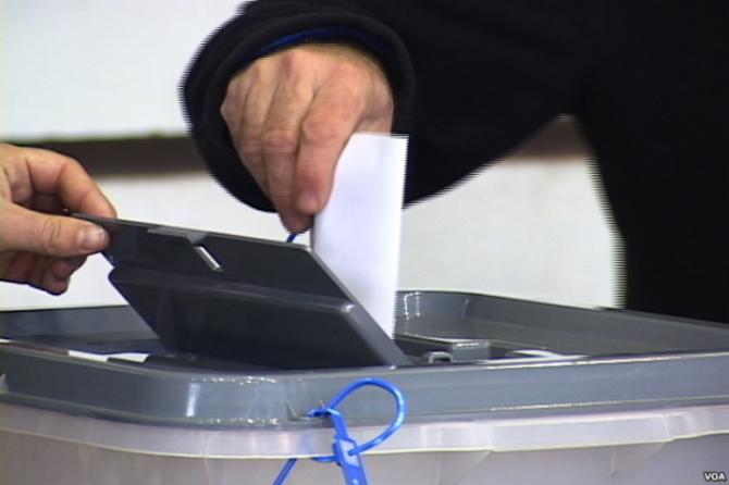 Ministria e Brendshme publikon listën e Zgjedhësve: 3.45 milion votues, 136 mijë për herë të parë