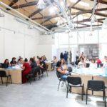 """Për herë të parë në Shqipëri, nis akademia verore e SME-ve: Konkurrenca dhe tregu kërkon një biznes """"të edukuar"""""""