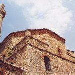 Delvinë, turistët e huaj vizitojnë xhaminë e Gjin Aleksit
