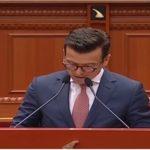Video/ Momenti kur deputeti i PD-së shkrin së qeshuri gjithë sallën e Parlamentit