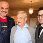 Edi Rama takohet me George Soros, djali i tij mahnitet nga veshja e kryeministrit shqiptar