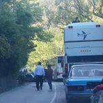 Makina del nga rruga në Bistricë, aksidentohet 36-vjeçari nga Gjirokastra
