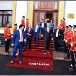 Vangjel Tavo 'shkrin gazit' Edi Ramën (FOTO)