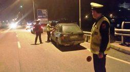 """""""S'janë shumë po vari lesht"""", policja u merr 5 mijë lek të vjetra të rinjve (VIDEO)"""