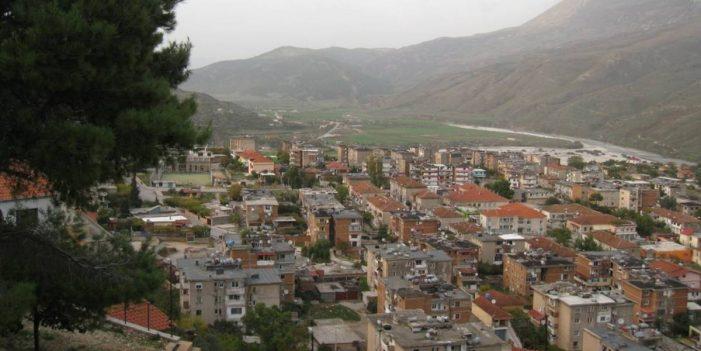 Pistoletë dhe kanabis me vete, arrestohet 38-vjeçari nga Tepelena