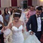 Çmenduri në Korçë, nusja dehet në dasëm, ja çfarë i bën burrit