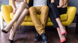 Studimi/ Mosha kur meshkujt tradhtojnë më shumë gruan