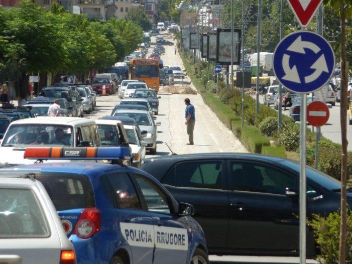 Gjirokastër, aksident te 'Ura e Lumit', plagoset një vajzë