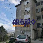 Zbardhet raporti i Shërbimit Gjeologjik për pallatin në Gjirokasër: Banorët të mos futen në banesa derisa të bëhen ndërhyrjet përforcuese