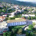 Ndërtoi kalçeto pa leje në fshat, kallëzohet 62-vjeçari nga Lazarati