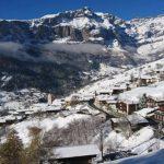Doni të jetoni jashtë shtetit? Shkoni në këtë fshat të Zvicrës ku ju japin 21,500 euro