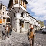 Të gjithë po ikin nga Gjirokastra, dalin shifra të tjera dramatike për popullsinë në nivel qarku