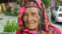 Njihuni me vendin ku njerëzit jetojnë mbi 100 vjeç (FOTO)