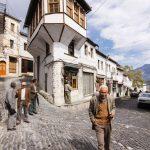 Gazetari sfidon Tritan Shehun: Eja ta shpëtojmë bashkë Gjirokastrën (I kujton edhe firmën e tij të naftës kontrabandë)