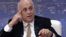 7 Marsi, Artan Fuga ka një thirrje për mësuesit: Mos pranoni sutiena apo …
