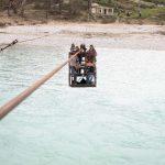 Memaliaj, banorët e fshatit Kallëmb rrezikojnë jetën duke kaluar Vjosën me një kafaz metalik të lidhur në kavo