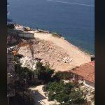 VIDEO/ Si po betonizohet bregdeti i Sarandës me leje të kryetares së bashkisë