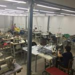 Kinemaja e Tepelenës kthehet në kapanone për biznesin fason (FOTO)