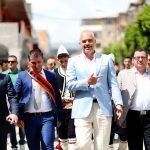 Tërmet Peçi nuk përmbahet: Të na rrojë sa malet Edi Rama