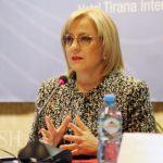 Ministrja jep një lajm të mirë për maturantët me mesatare mbi 9