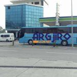Nisen 5 autobusë nga Gjirokastra, punonjësit e bashkisë dhe njerëzit e PD-së në protestë për 'Babalen' (FOTO)