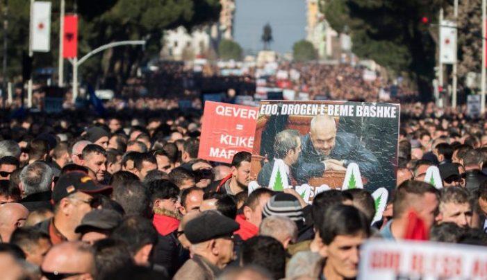 Sot opozita në protestë, kërkon 'kokën' e Fatmir Xhafajt