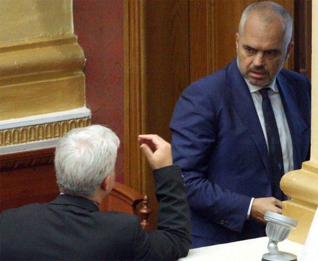 Humor i zi në rrjet, Rama 'nxjerr' njoftim: Vend i lirë pune për Ministër të Brendshëm. Ja cilat janë kriteret