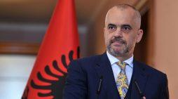 Del një kamera e fshehtë për kryeministrin Edi Rama, ja çfarë i thotë gazetarit të 'Stop' (VIDEO)
