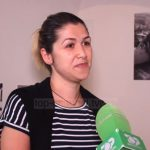 Ekspozita me foto të rralla në Gjirokastër, vajza gjen të atin që nuk jeton më (VIDEO)