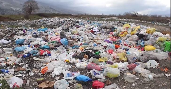 Korçë: Ish konvikti i shkollës së ndërtimit, zona më e ndotur