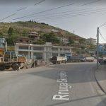 Aksident në Sarandë, një i plagosur nga përplasja e makinës me motoçikletën
