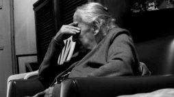 'Pushton' rrjetin letra e trishtë e gjyshes që jeton vetëm