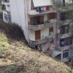 Gjirokastër, bashkia dhe qeveria tallen me banorët e pallatit te 'Kodra e Shtufit'. Kanë kaluar 6 muaj dhe askush nuk thotë se kur do të nisin punimet (FOTO)