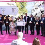 Restaurimi i Pazarit të Gjirokastrës, Zamira Rami dhe Vjollca Koko japin tituj nderi për anëtarët e Bordit të Fondit Shqiptaro-Amerikan të Zhvillimit (FOTO)