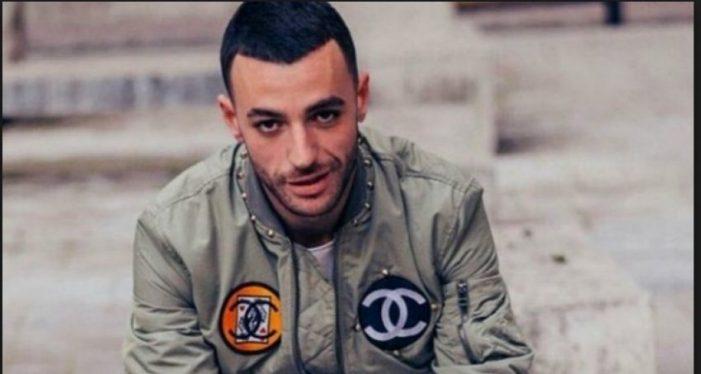 Policia e kishte shpallur në kërkim, ai bënte koncert në Gjirokastër. Stresi rrëfen çfarë ndodhi një muaj më parë
