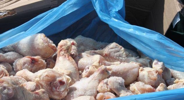 Gjirokastër, pas magazinës me makarona zbulohet një pikë e paligjshme me pula të skaduara