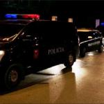 Çmenduri në Fier, një person i armatosur hyn në spital, flitet për 3 të plagosur